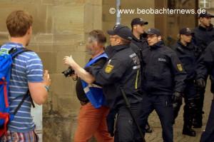 Übergriff auf Fotojournalisten der Beobachter News