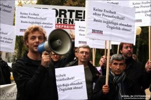 Aktion in Berlin für Pressefreiheit (CC) Sozialfotografie STR