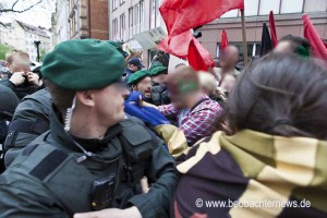 Polizei geht auf die Demospitze los