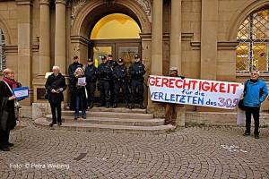 5_-Verlesen-des-offenen-Briefes-vor-dem-Justizministerium_1600x1067