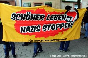 Banner Scöner Leben - Nazis Stopen der Antifa Mannheim