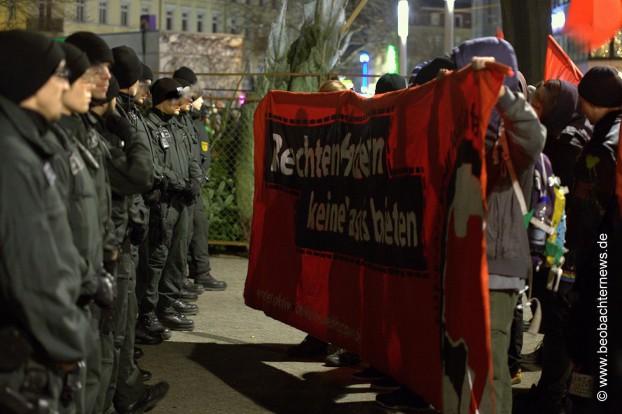 BFE-Truppe stoppt AntifaschistInnen