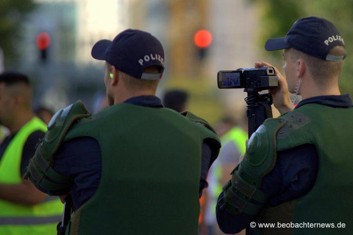 Die Polizei filmte und filmte ... und filmte.